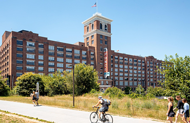 Connecting Neighborhoods through Greenways: The Atlanta BeltLine and New York City's High Line